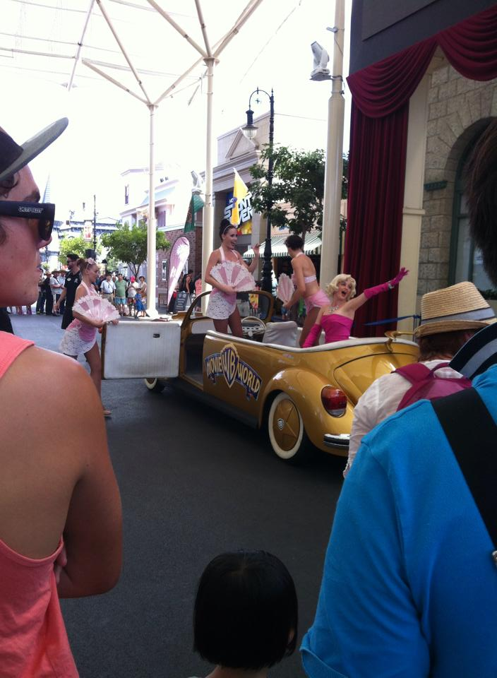 Movie World Gold Coast - We saw various characters perform on 'Main Street' throughout the day